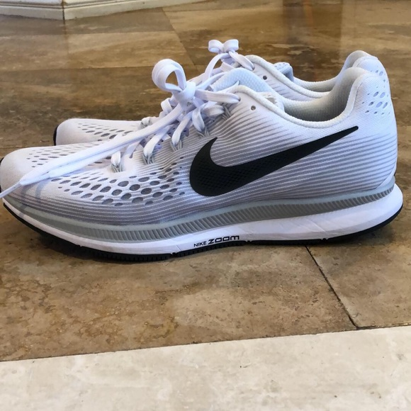 differently be848 73e9f Nike Zoom Pegasus 34s Size 9.5 Women